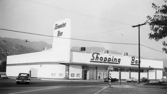 The Shopping Bag store on Glenoaks.
